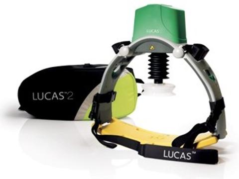 Na snímku nově pořízený přístroj k záchraně lidských životů LUKAS 2 Foto: ZZS Karlovarského kraje