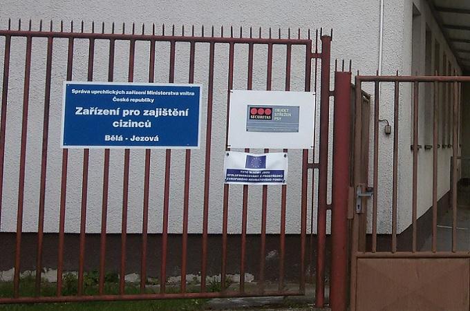Azylové středisko v Bělé pod Bezdězem. Foto: archiv ZápadočeskýDeník.cz